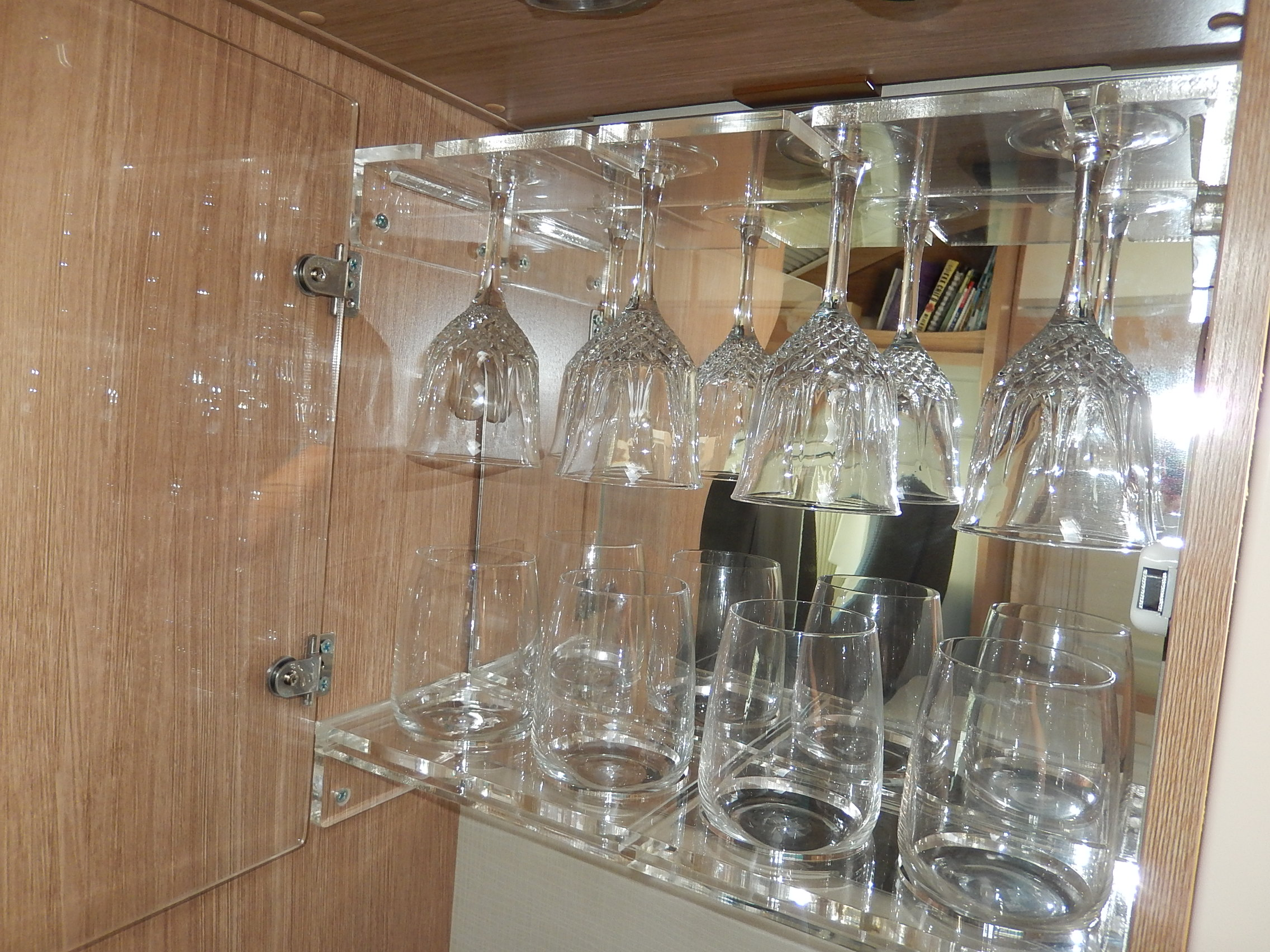 Picture of: A Glass Cabinet For Our Sunlight Zion Motorhomes Owner S Club New Zealand